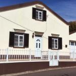 Vende-se Moradia [House for Sale] em Santo Espírito – Grande Baixa de Preço